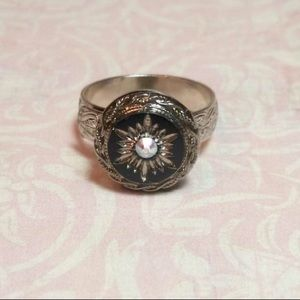 Vintage starburst Sworovaski ring